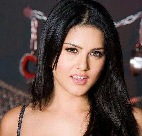 Hot Sunny Leone in scary avatar