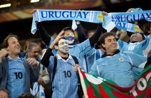 World Cup 2014: Uruguay clinch final spot with Jordan win