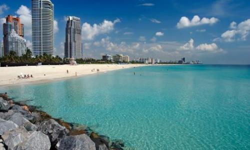Miami: The best place to enjoy tour honeymoon with your spouse.