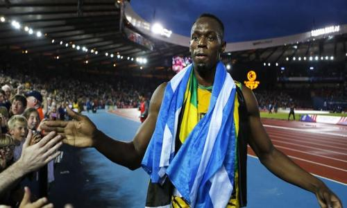 Bolt steals the show to take Commonwealth gold